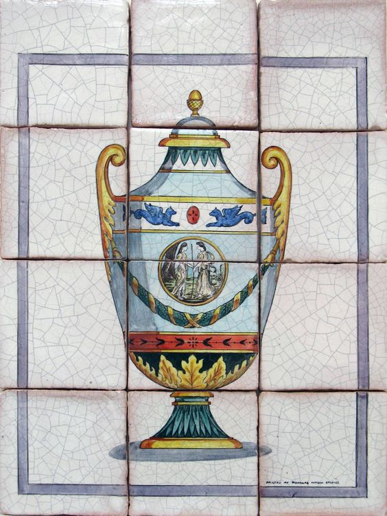 Chartier Urn with Border