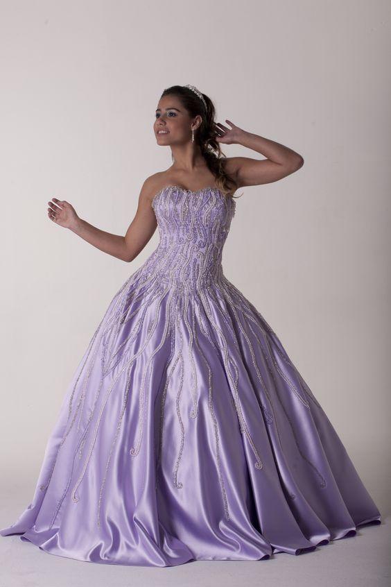 vestido, debutante, tomara que caia, lilás, bordado, coroa, acessórios