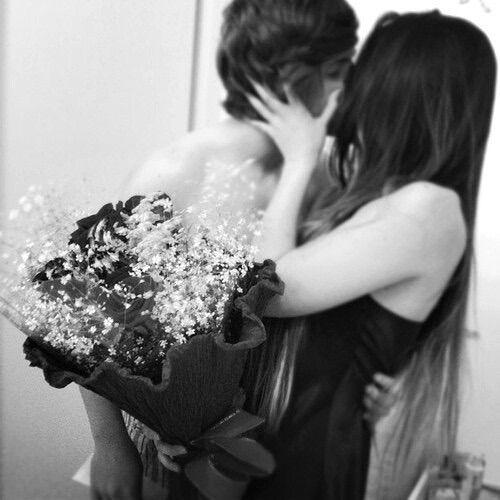 Image via We Heart It https://weheartit.com/entry/157363488/via/29738922 #adventure #alternative #blackandwhite #couple #cuddle #grunge #kiss #love #vintage