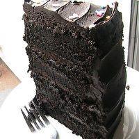 Hershey�s Decadent Dark Chocolate Cake