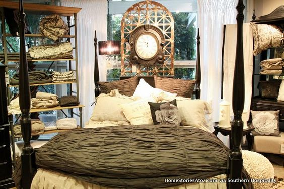 Gorgeous vintage bedroom.