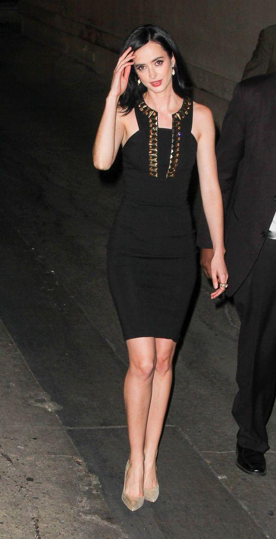 Actress Krysten Ritter looked amazing wearing a black Versace ...