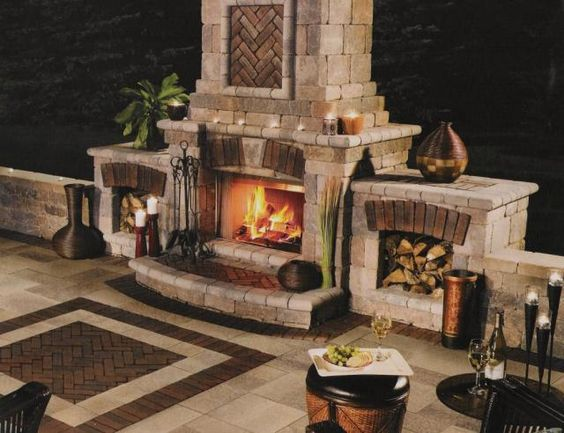 .Love this outdoor fireplace!