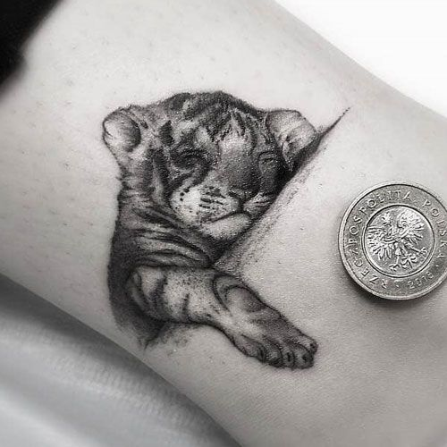 70 Simple Tattoos For Men In 2020 Small Animal Tattoos Tattoos For Guys Simple Tattoo Designs