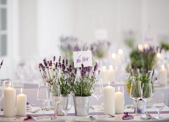 Tischdeko Hochzeit mit Lavendeltöpfchen