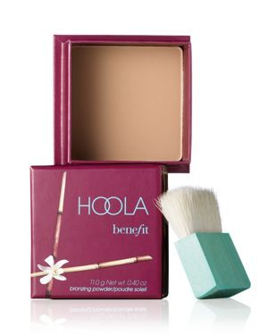 The most amazing Bronzer for contouring I've ever tried! Benefit HoolaBenefit Hoola-Beauty