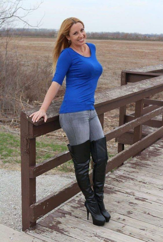 hot women in jeans and boots - photo #22