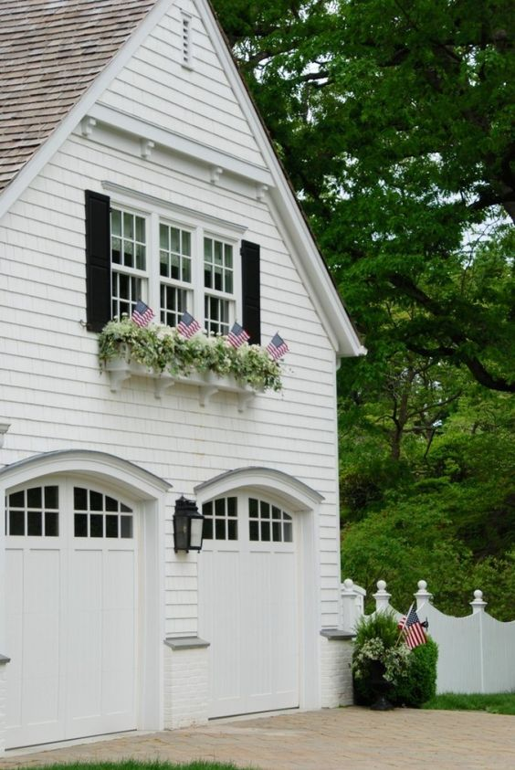30 Gorgeous Garages You'll Want to Move Into - The Glam Pad