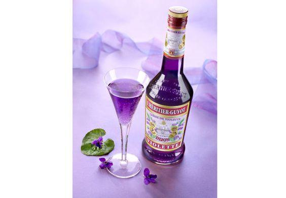 liqueur de violette sca food period or camping. Black Bedroom Furniture Sets. Home Design Ideas