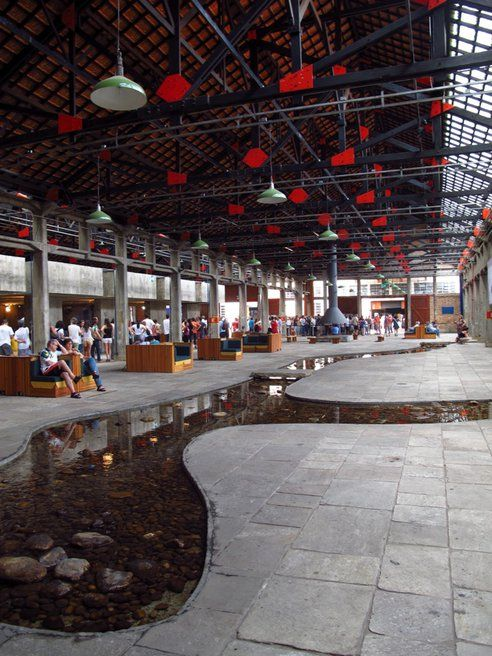 Recycled Factory Thrives As Social Center Supported by Brazil's Commerce Tax : TreeHugger