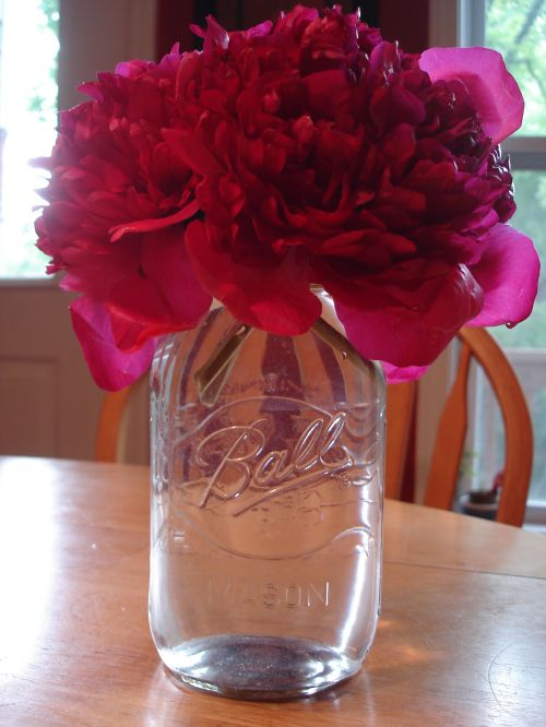 mason jars for centerpieces.... Nothing better!