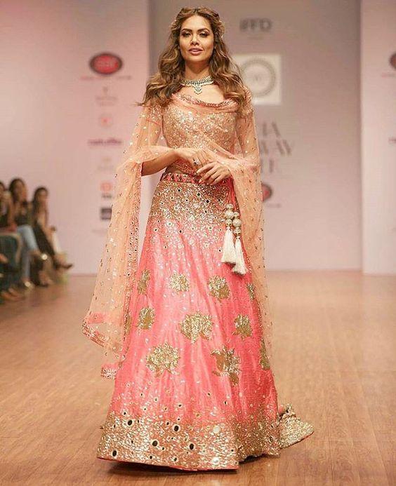 Esha Gupta is an actress that I feel short of words when I describe her beauty 😍 || Esha Gupta for @yoshitacouture 👗