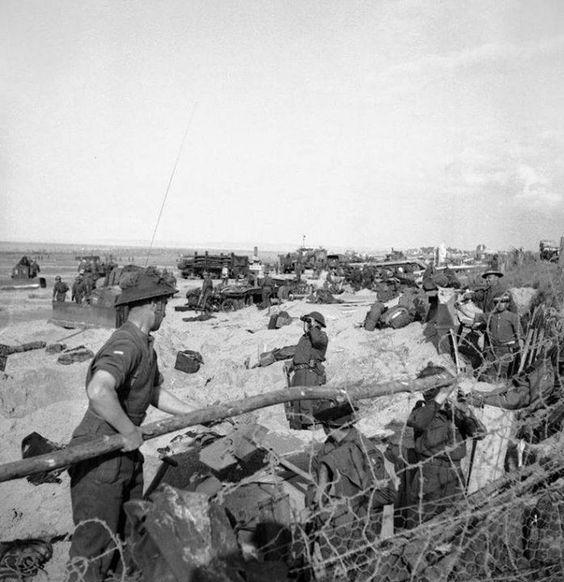 Tropas britânicas na Normandia durante o 'Dia D', 6 de junho de 1944.