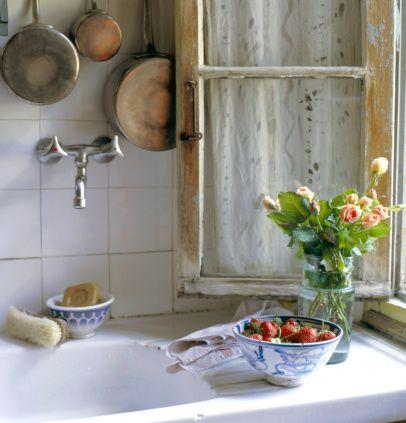Cozinha limpinha, não tem melhor.