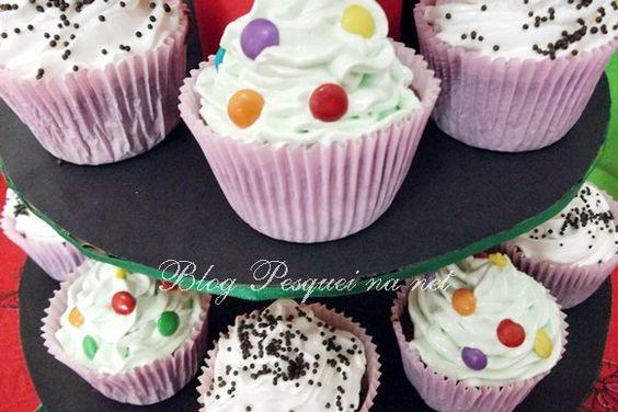 ! Pesquei na net !: Assando cupcakes sem fôrma de alumínio