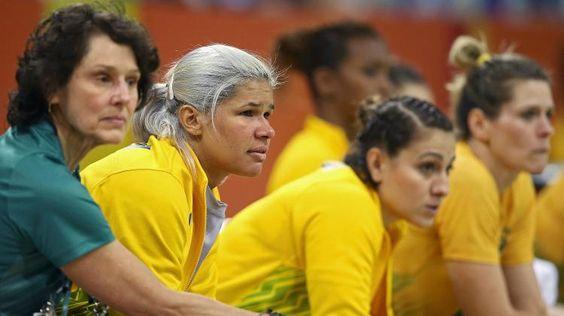 Brasil leva ouro e prata, mas vive dia de pesadelos nos esportes coletivos