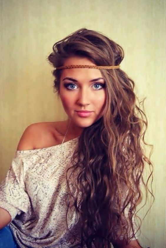 """Cute summer hairdo. Side Downdo With Long Wispy Curls. Side messy hairstyles are """"wow"""", trendy and really cool when you pair them with asymmetrically cut dresses, tanks or blouses. These gorgeous curls are scrunched, nonchalantly swept to one side and secured with a thin braided headband."""
