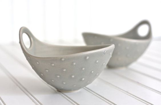 Beautiful pottery bowls at Fringe and Fettle on Etsy. We could think of 100 uses.
