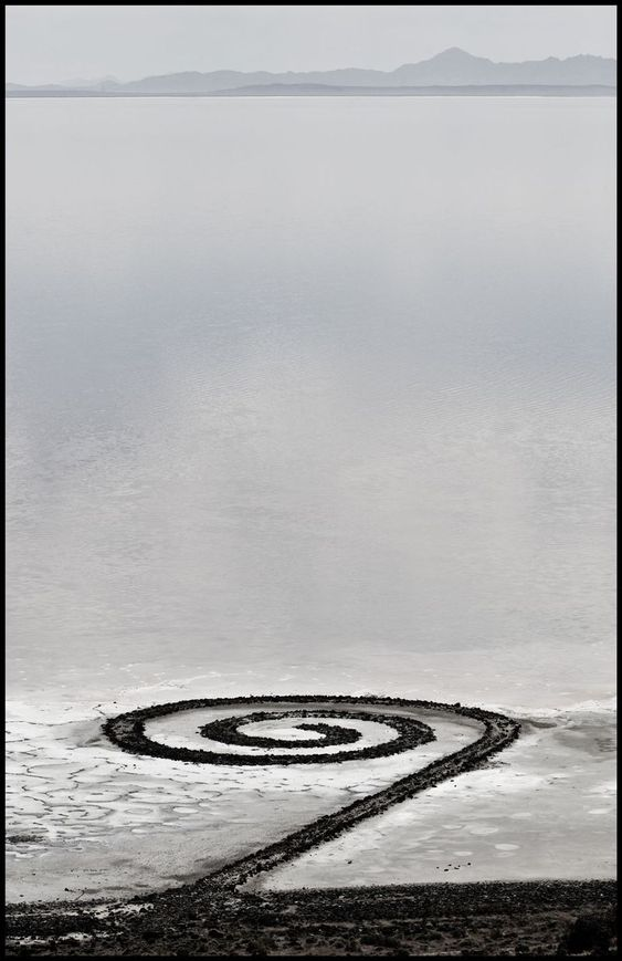robert smithson spiral jetty essay October 4 hikmet loe and spiral jetty, utah museum  encycloing the jetty: hikmet sidney loe meanders through robert smithson's earthwork, 15 bytes.