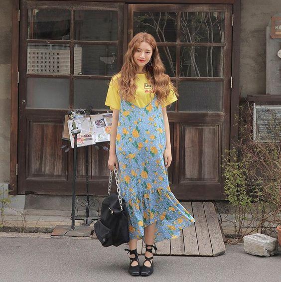 "12.7k Likes, 9 Comments - Stylenanda,3ce,kkxx (@stylenanda_korea) on Instagram: ""#꽃모닝 # 단 하나의 플라워원피스를 골라야 한다면, 주저없이 오직난다 지금은 플로럴의 가장 완벽한 타이밍 :) #stylenanda #nandamade #flowerdress"""
