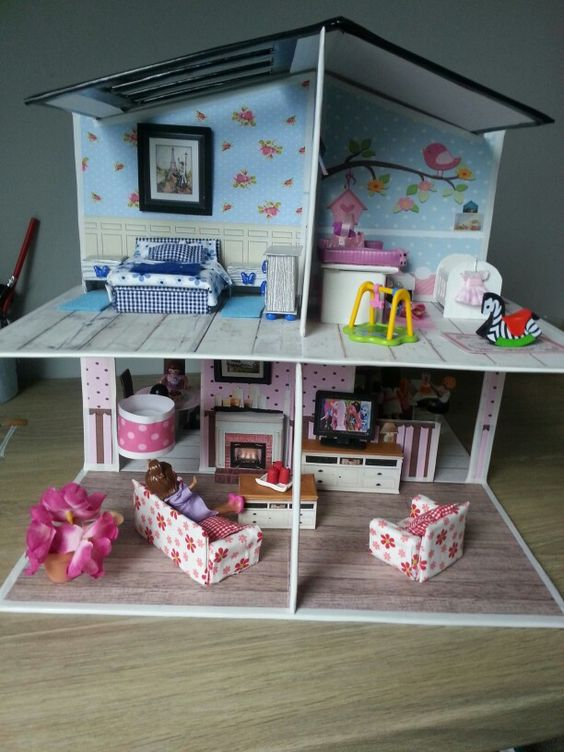 maison de playmobil en carton construction en carton ou. Black Bedroom Furniture Sets. Home Design Ideas