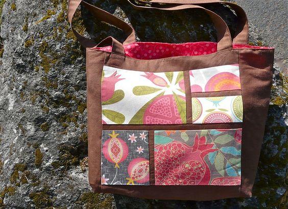 How to Make a Five Fave Fabrics Tote (a guest tutorial for Spoonflower) ***