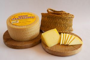Esparto and Manchego cheese - www.themanchegocheese.com
