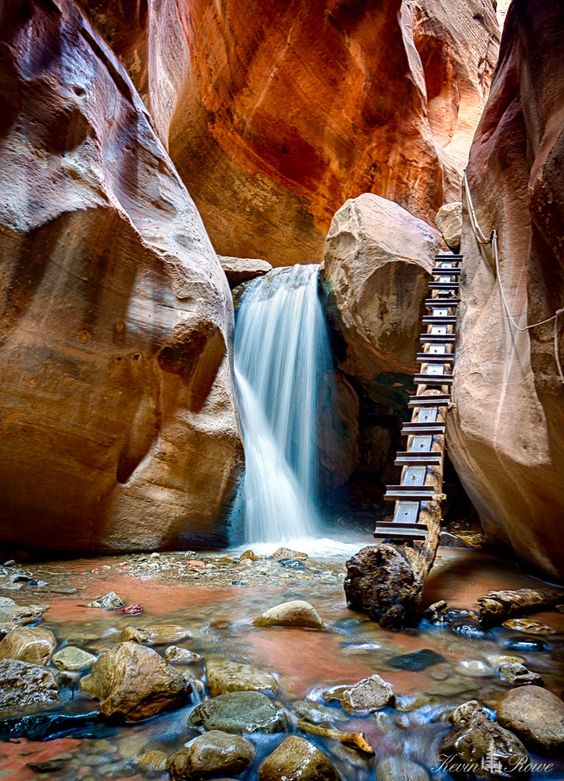 Slot canyons new zealand
