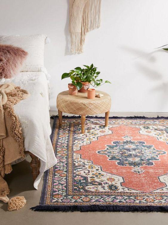 chambre avec tapis persan vintage