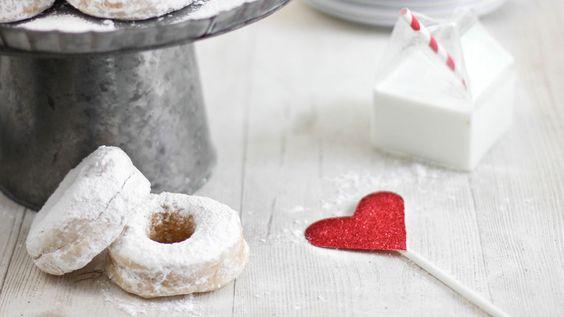 Make the Best Wedding Doughnuts   Etsy Weddings BlogEtsy Weddings Blog