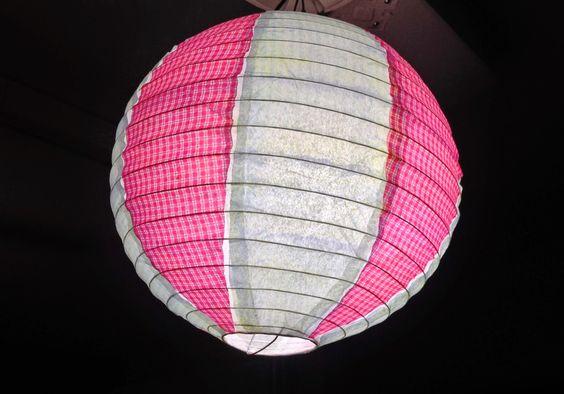 Luminária japonesa colorida