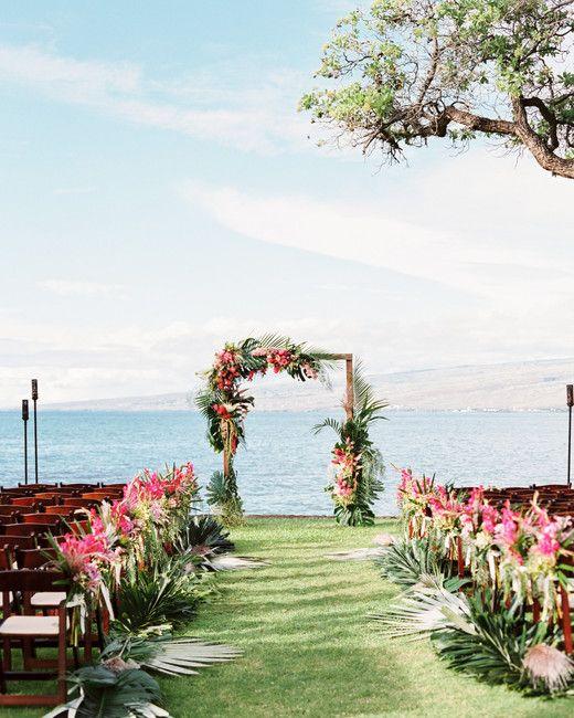 A Casual Beach Wedding In Puako Hawaii Hawaii Wedding Oceanfront Wedding Beach Wedding Decorations
