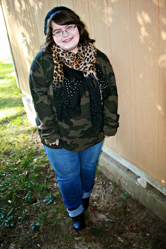 5 Ways To Mix Prints With A Leopard Scarf #plussizefashion #fallfashion #mixingprints  Unique Geek: