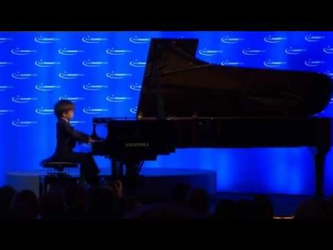 "Ricky Kam (age 5) wunderkind ""Mozart-Turkish March"" alla turca (live)"