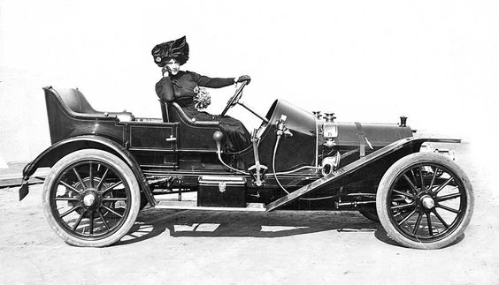 Actress Maude O'Dell in a Mercer, and a Monocle Windshield @ http://theoldmotor.com/?p=162217