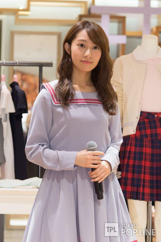 可愛らしい服が似合う桜井玲香のかわいい画像