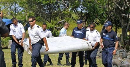 osCurve   Contactos : La pieza de avión encontrada en la Reunión pertene...