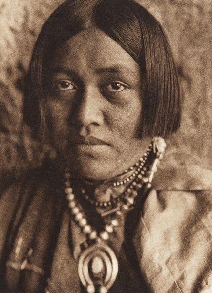 Laitsanyasitsa - ZuÐi (The North American Indian, v. XVII. Norwood, MA, The Plimpton Press,  1926) by Edward Sheriff Curtis from University of Southern California Libraries