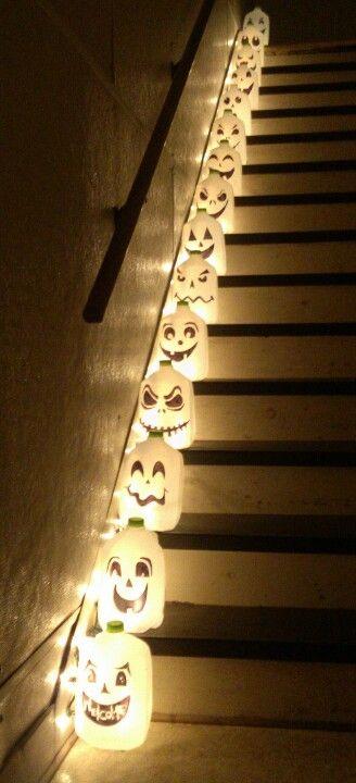 luces de halloween con botellas