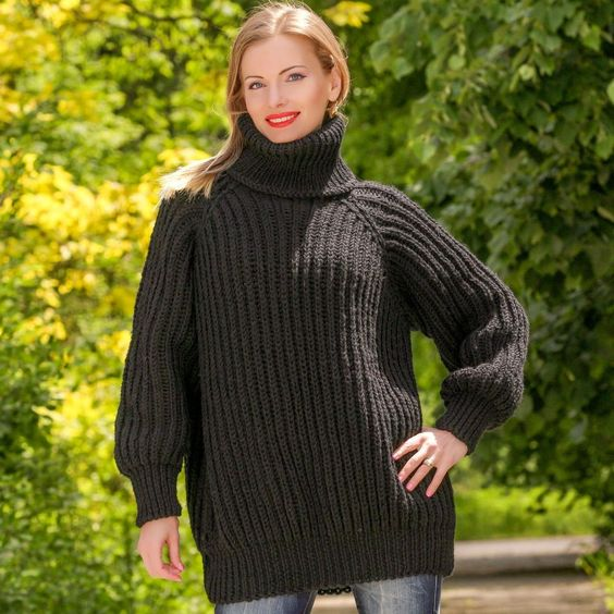 BLACK Hand Knitted 100% Wool Sweater Non Mohair Thick Pullover by SUPERTANYA #SuperTanya #Turtleneck