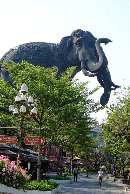 タイの有名なエラワン美術館です。