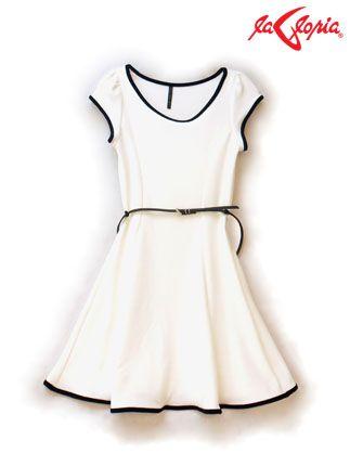 Vestido corte princesa - Blanco con borde negro y cinturón.