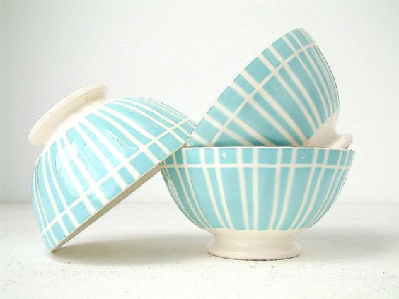 Oof, love these vintage cafe au lait bowls on Etsy so much.: Cafe Au Lait Bowls, Bowls Etsy, Bowls Pottery, Vintage, Painting Pottery Ideas Bowls, Ceramic, Bowls Turquoise
