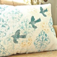 How to make stenciled linen pillows