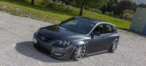 The Last Samurai: Mazda 3 mächtig modifiziert: Mal etwas anderes: Fernost-Tuning mit Airride und massiven Blecharbeiten