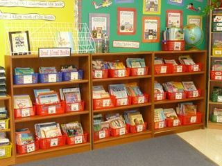 This teacher has the most organized classroom library ever!  Printable labels for your books and ideas on how to keep your library organized