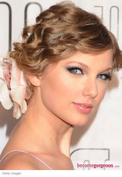 Taylor Swift lilac makeup