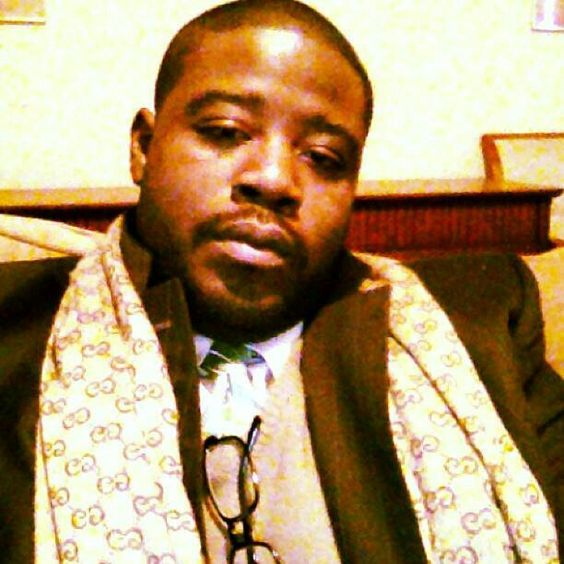 Pin stripe suit Gucci scarf !