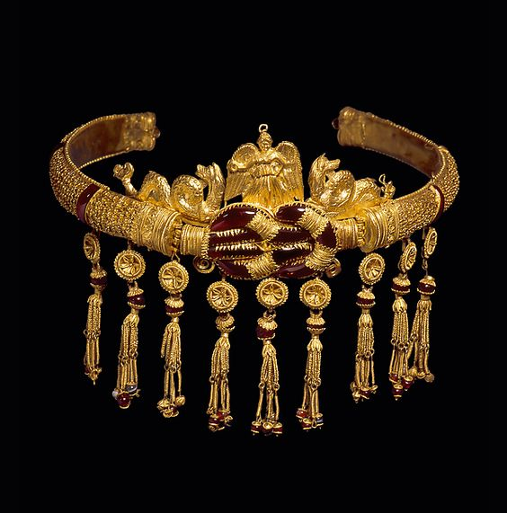 Diadema de oro, oro, granate, cornalina, sardonyx, griego
