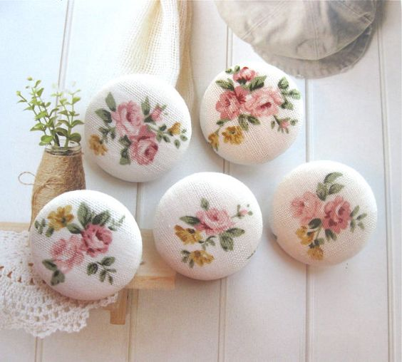 "Handmade floral fabric buttons - (Etsy, retro NaNa 1.25"")"
